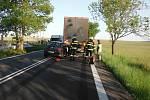 Střet s kamionem způsobil těžké zranění.