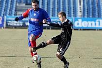 Vítězství si v přípravném utkání s Náchodem (3:0) připsali prvoligoví fotbalisté Hradce Králové.
