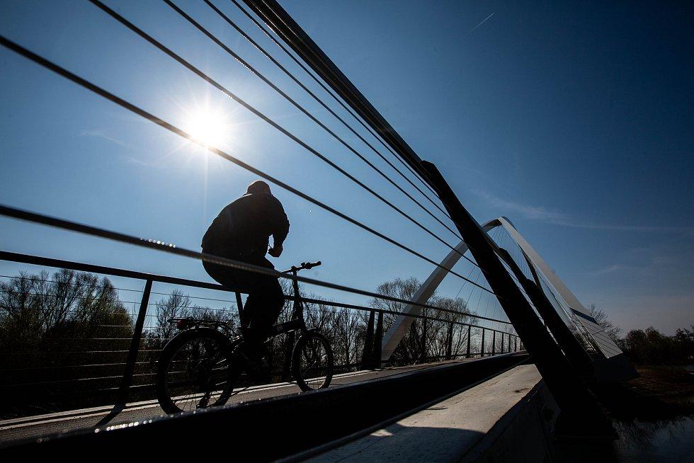 Cyklostezka podél Labe do Vysoké nad Labem.