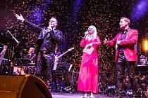 Galakoncert Pirate Swing Bandu Jiřího Ševčíka v královéhradeckém Aldisu.
