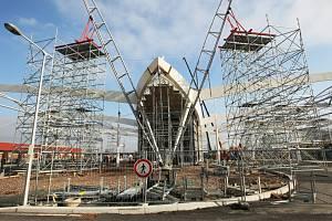Pokračující výstavba terminálu hromadné dopravy v Hradci Králové