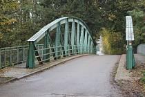 """Vyjde kraj Lochenicím vstříc a převezme """"problematický"""" most se silnicí pod svá křídla? Důležité slovo bude mít Správa silnic Královéhradeckého kraje."""
