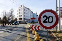 Dopravní omezení na mostku v Hradci Králové - Kuklenách.