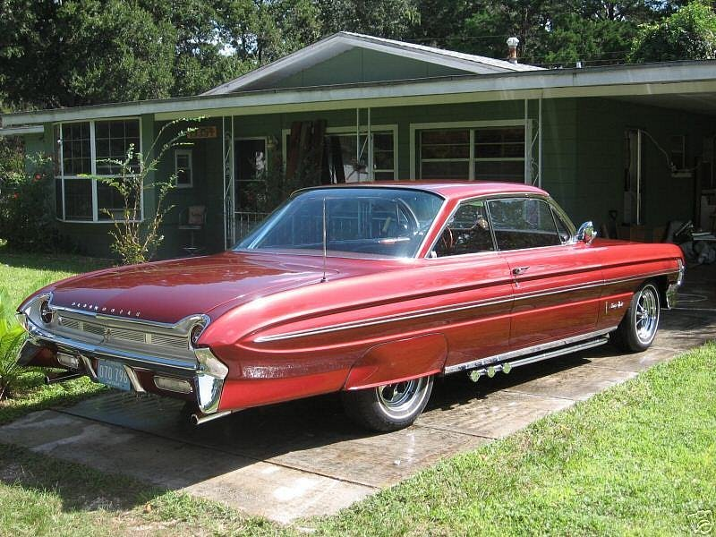 Oldsmobile Ninety-Eight Holiday 98 1961