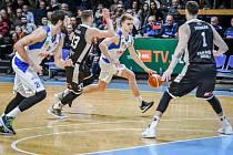 Basketbal NH Ostrava - Kingspan Královští sokoli Hradec Králové.