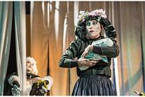 Klicperovo divadlo připravilo na úvod nové divadelní sezóny obnovenou premiéru Kytice.
