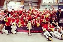 Hokejbalisté HBC Hradec Králové 1988 - vítězové Českého poháru 2017.