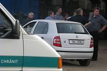 Policie vyštřuje místo, kde byla nalezena mrtvolka novorozeněte