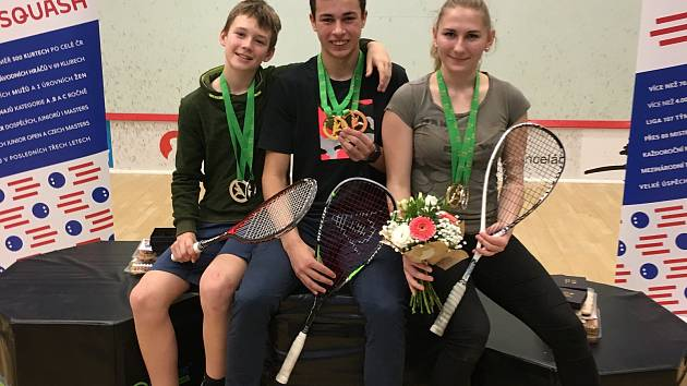 Juniorští hradečtí soutěžící ve squashi získali medaile.