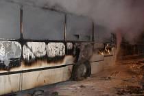 Požár autobusu v Hradci Králové-Pouchově
