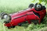 Havárie osobního automobilu mezi Vlkovem a Skalicí.