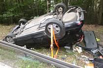 Havárie osobního automobilu u Vysoké nad Labem.