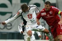 Z druholigového utkání FC Hradec - Třinec (0:0:).