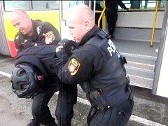 Školení strážníků – agresivní cestující.