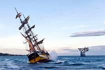 Plachetnice La Grace ztroskotala u španělských břehů.