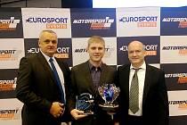Michal Matějovský společně se Stanislavem Matějovským a Josefem Křenkem po vyhlášení mistrem Evropy ve třídě Super 2000 TC2.