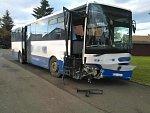 U Nového Města havaroval autobus s dětmi, jedenáct zraněných