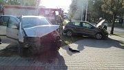 Dopravní nehoda dvou osobních automobilů na hradeckém Slezském Předměstí.