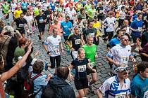 Běžecký půlmaraton v Hradci Králové.