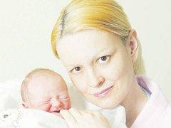 Lucie Kučerová se narodila 19. prosince v 8.02 hodin. Měřila 48 centimetrů a vážila 2970 gramů. S rodiči Ditou a Otto Kučerovými a dvouletým bratrem Honzíkem bydlí v Hradci Králové.
