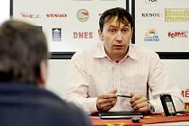 Tisková konference fotbalového klubu FC Hradec Králové. Richard Jukl