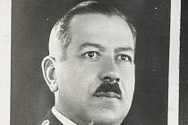 Z historie letiště: Robert Schwarz, velitel Leteckého pluku 4.
