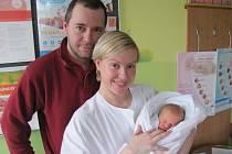 IZABELA SVATOŇOVÁ přišla na svět 19. března ve 12.35 hodin. Po porodu vážila 3140 g a měřila 51 cm. Svým příchodem na svět udělala radost rodičům Editě  a Tomášovi Svatoňovým z Hradce Králové.
