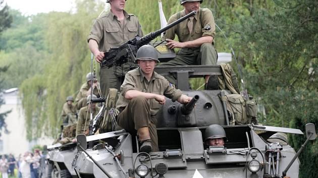 Rekonstrukce mise americké armády do Velichovek z května roku 1945.
