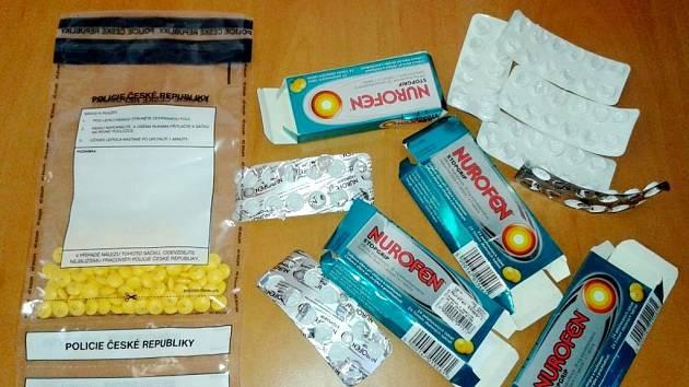 Zajištěné léky určené pro výrobu drog.