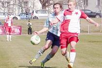 Krajský přebor ve fotbale: FC Slavia Hradec Králové - FK Chlumec nad Cidlinou.