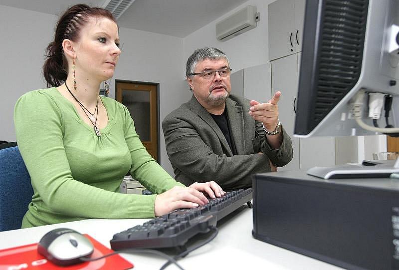 Ladislav Zeman, ředitel Klicperova divadla, při on-line rozhovoru 9. září 2010.