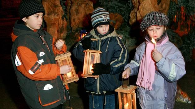 Vánoční zpívání a rozdávání betlémského světla 08