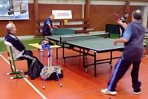 Z mezinárodního turnaje ve stolním tenisu tělesně postižených v Hradci Králové.