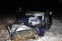 Dopravní nehoda u obce Homyle na Hradecku (16. prosince 2010).