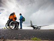 Akce Open Skies for Handicapped na královéhradeckém letišti.