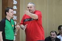 Trenér basketbalistů Hradce Lubomír Peterka