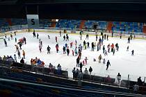 Den otevřených dveří na hradeckém zimním stadionu.
