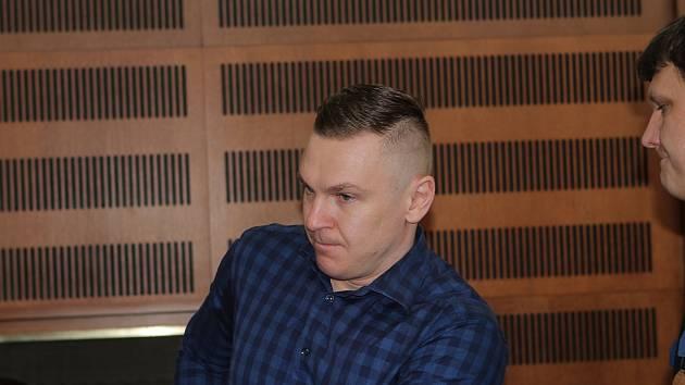 Obžalovaný před krajským soudem v Hradci Králové