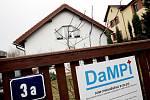 V domě DaMPi U Myslivny na Novém Hradci Králové ukázali 18. února nájemníci z chráněného bydlení své zázemí nejširší veřejnosti. Proběhl tam totiž Den otevřených dveří  Domu chráněného bydlení pro osoby s mentálním postižením.