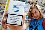 """Dvanáctiletá figurantka bez problémů nakoupila ve všech testovaných trafikách cigarety i """"tvrdý"""" alkohol"""