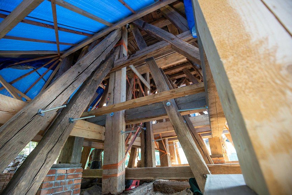 Rekonstrukce zvonice v Hradci Králové