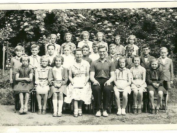 Když jsme šli tenkrát do školy… Vroce 1954… (Karel Přibyl).