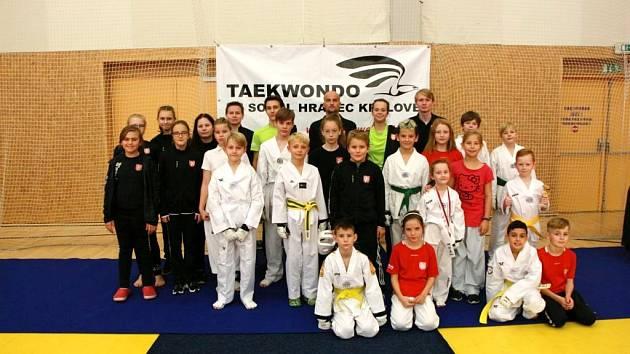 Úspěšní taekwondisté TJ Sokol Hradec Králové dosáhli dobrých výsledků.