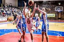 Bonver ženská basketbalová liga: Sokol ZVU Strojírny Hradec Králové - Kara Trutnov.