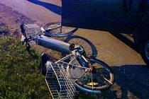 Automobil srazil v obci Osice ženu jedoucí na elektrokole.