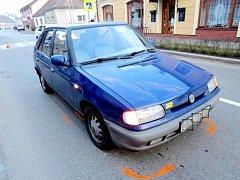 Dopravní nehoda na přechodu pro chodce v Nechanicích.