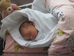 EVA SODOMKOVÁ se narodila 23. června v 8.00 hodin. Měřila rovných 50 centimetrů a vážila 3690 gramů. Z miminka se těší maminka Dana, tatínek Milan a sestra Anna. Rodina je z Náchoda.