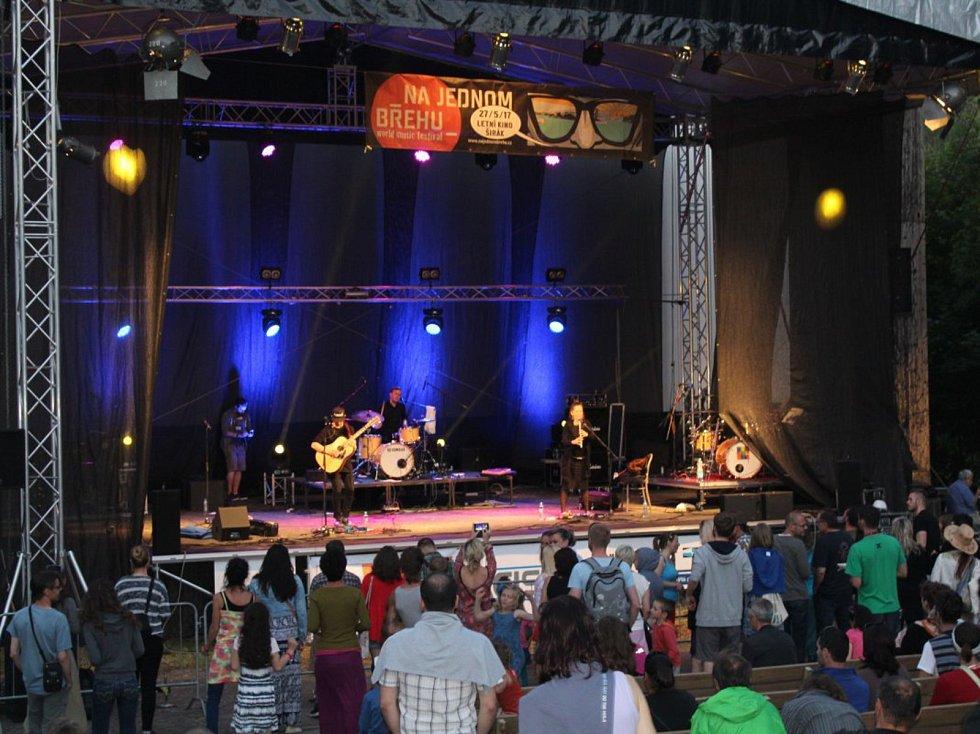 Festival Na jednom břehu v Hradci Králové