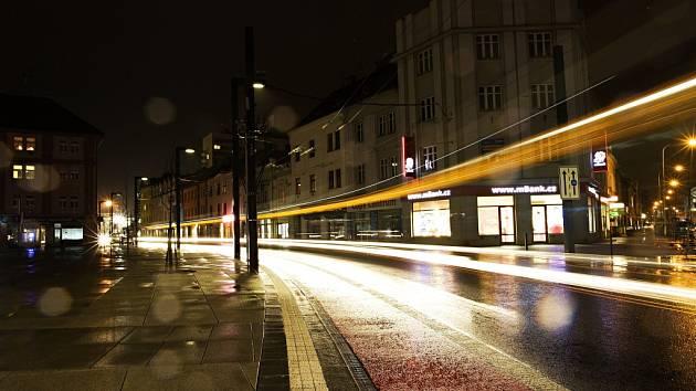 Osvětlení náměstí 28. října a ulic S. K. Neumana a Dukelská v Hradci Králové.