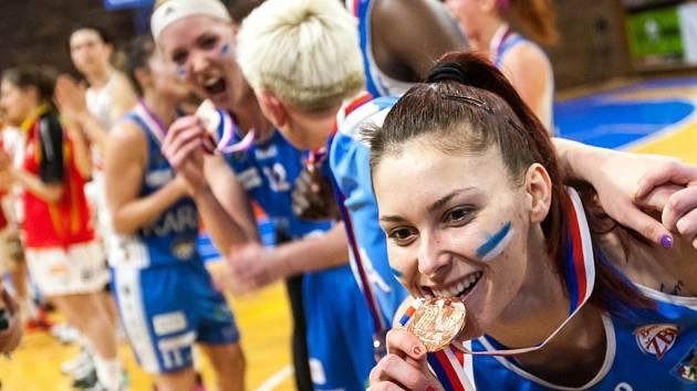 Bonver ŽBL - o 3. místo: Sokol ZVU Strojírny Hradec Králové - BK Kara Trutnov.